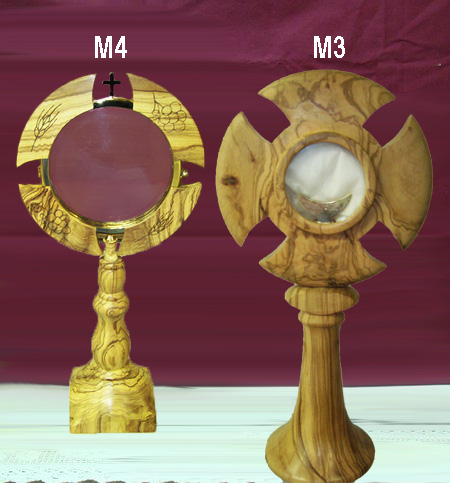 Monstrance in olive wood